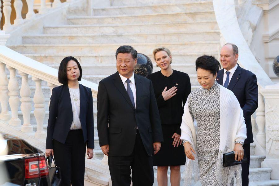 Peng Liyuan et Xi Jinping quittent la Principauté.
