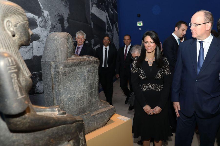 Le prince Albert II de Monaco avec la ministre égyptienne Rania Al-Mashat à Monaco, le 6 juillet 2018