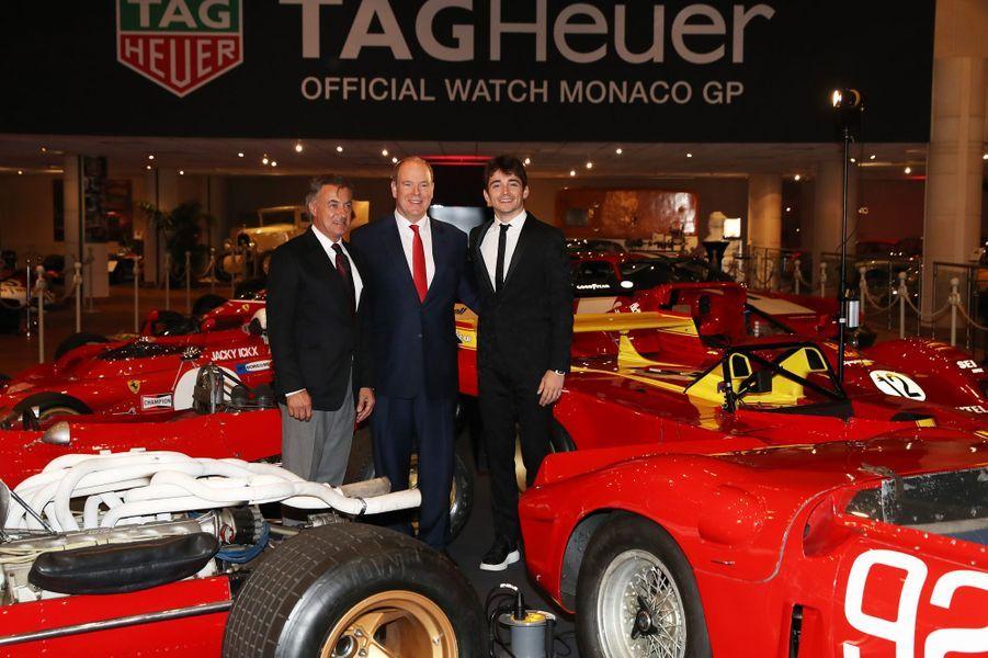 Le prince Albert II de Monaco avec Jean Alesi et Charles Leclerc à Monaco, le 3 décembre 2018