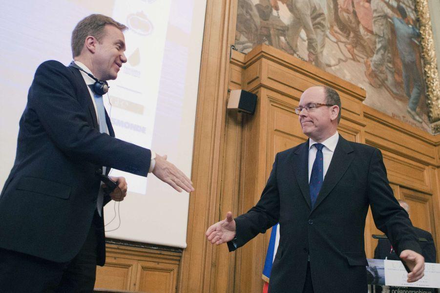 Le prince II de Monaco avec le ministre norvégien Borge Brende à Paris, le 17 mars 2015