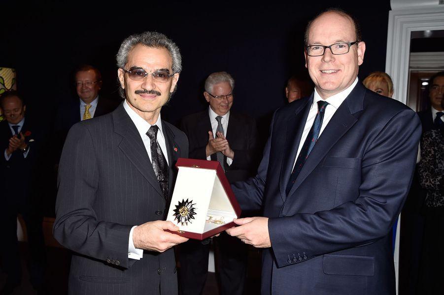 Le prince Albert II de Monaco et le prince Al-Walid Ben Talal d'Arabie Saoudite à Londres, le 29 octobre 2015