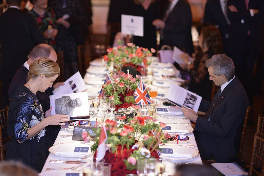 Sophie de Wessex et le prince Al-Walid Ben Talal d'Arabie Saoudite à Londres, le 29 octobre 2015
