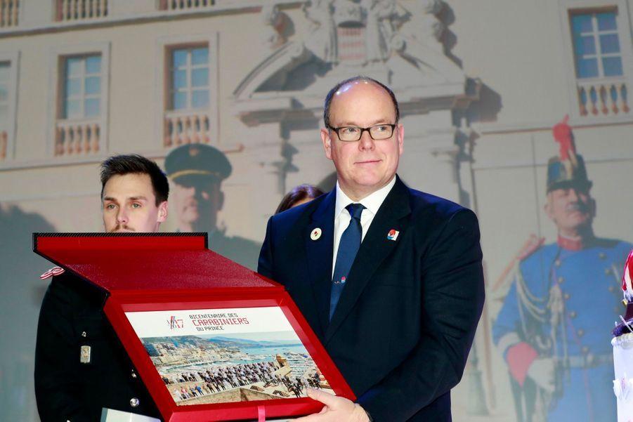 Le Prince Albert, Stéphanie De Monaco Et Louis Ducruet Au Bicentenaire Des Carabiniers 15