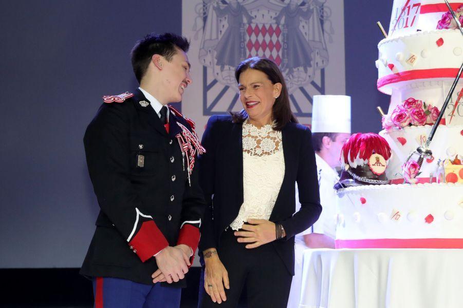 Le Prince Albert, Stéphanie De Monaco Et Louis Ducruet Au Bicentenaire Des Carabiniers 8