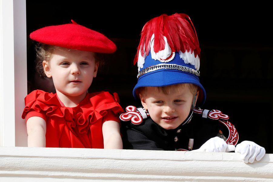 La princesse Gabriella et le prince Jacques de Monaco au balcon du Palais princier de Monaco, le 19 novembre 2019