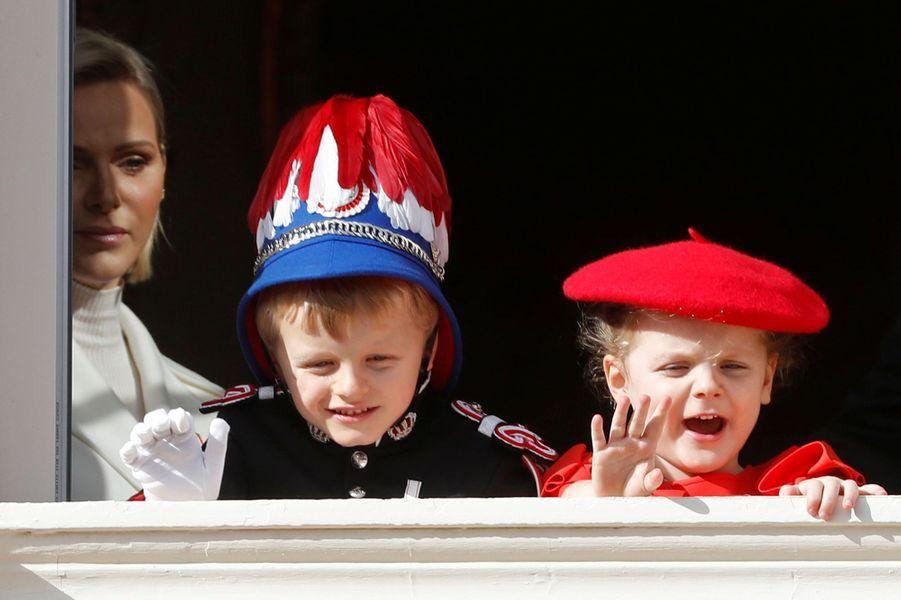 Le prince Jacques et la princesse Gabriella de Monaco avec leur maman la princesse Charlène à Monaco, le 19 novembre 2019