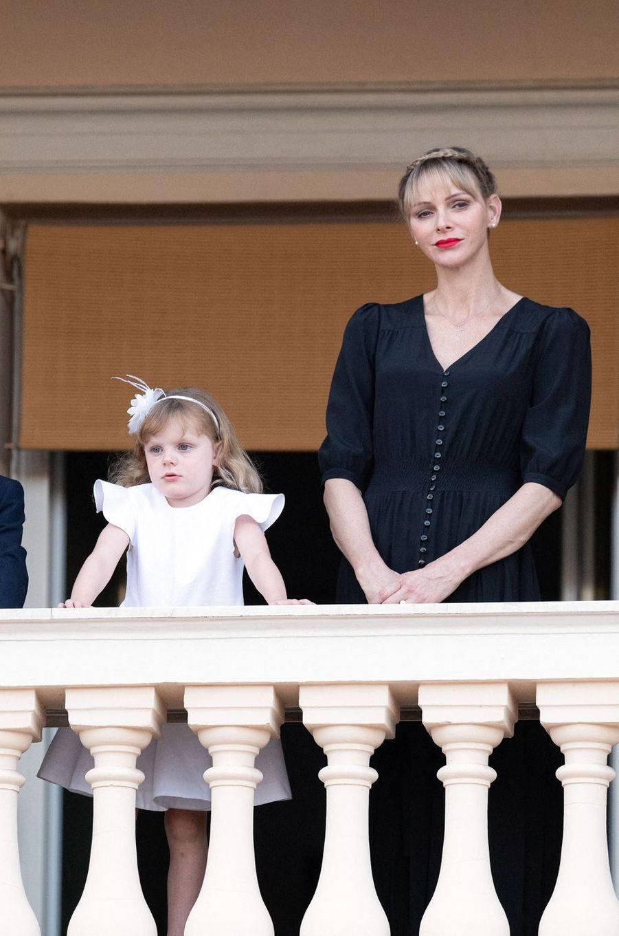 La princesse Charlène de Monaco avec sa fille la princesse Gabriella à Monaco, le 23 juin 2020
