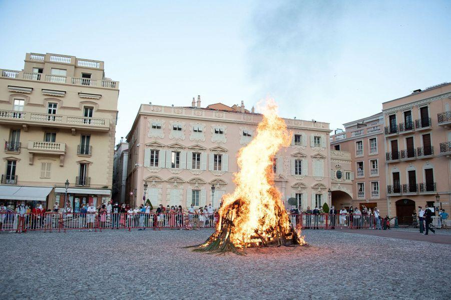 Le feu de la Saint-Jean à Monaco, le 23 juin 2020