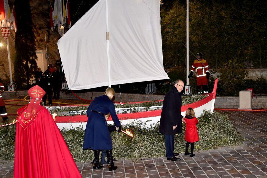 Le prince Jacques et la princesse Gabriella avec la princesse Charlène et le prince Albert II de Monaco à Monaco, le 26 janvier 2020