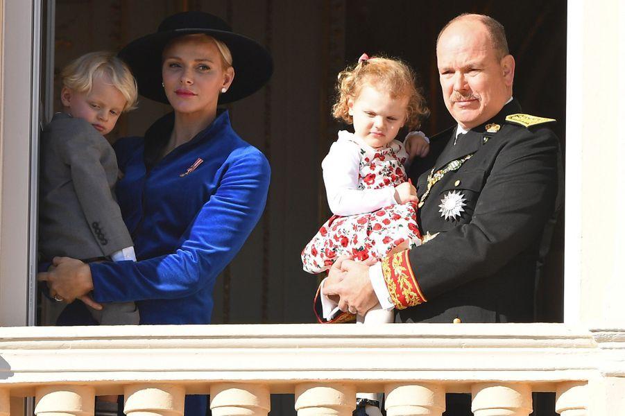 Le prince Jacques et la princesse Gabriella de Monaco avec leurs parents la princesse Charlène et le prince Albert II, le 19 novembre 2017