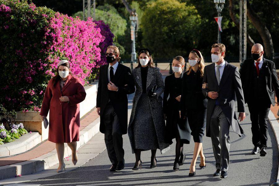 Andrea et Pierre Casiraghi avec leurs femmes, la princesse Alexandra de Hanovre et Mélanie-Antoinette de Massy à Monaco, le 19 novembre 2020