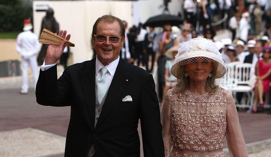 Roger Moore et son épouse