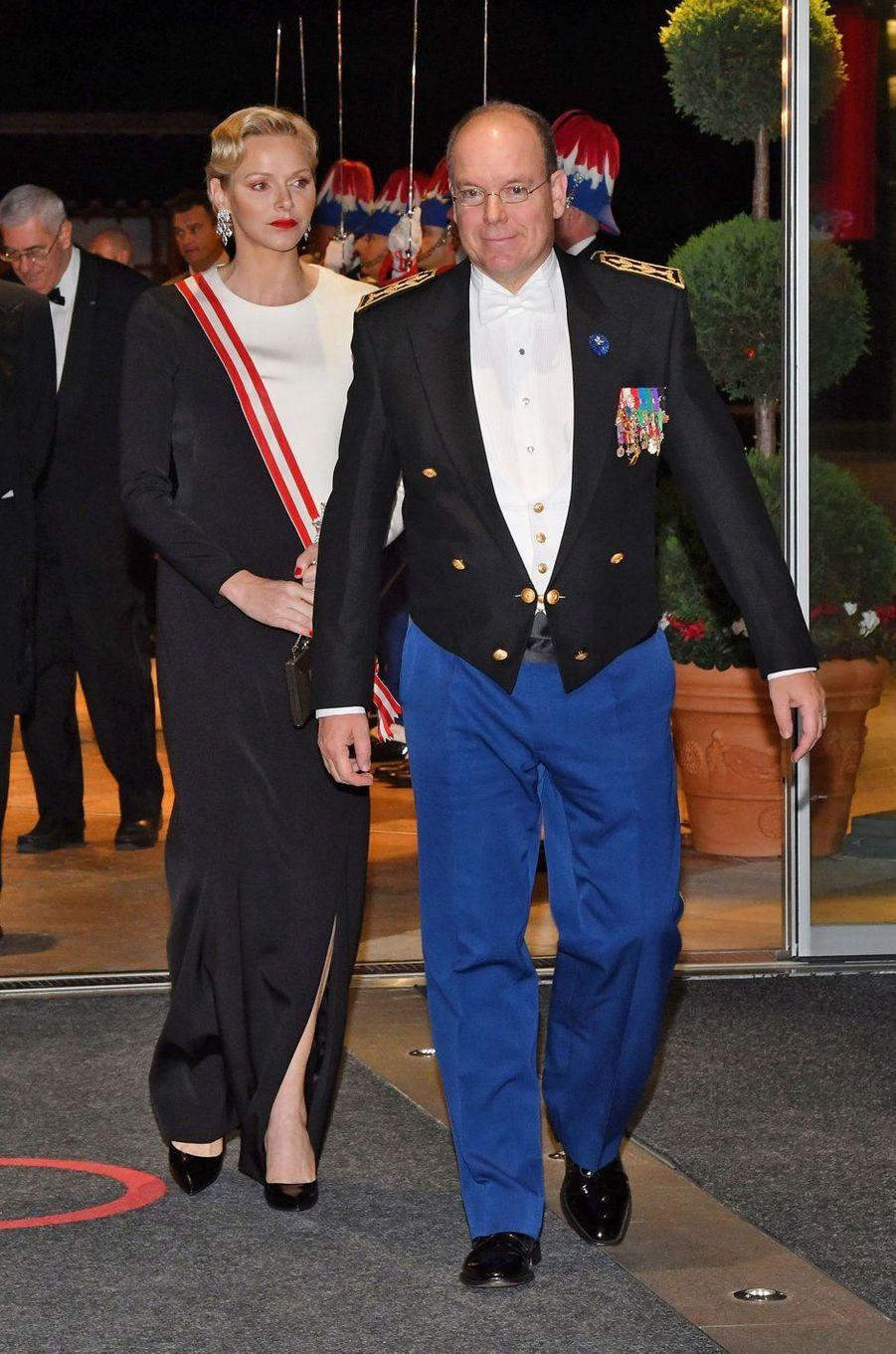 Le prince Albert II de Monaco et sa femme la princesse Charlène, à Monaco le 19 novembre 2018