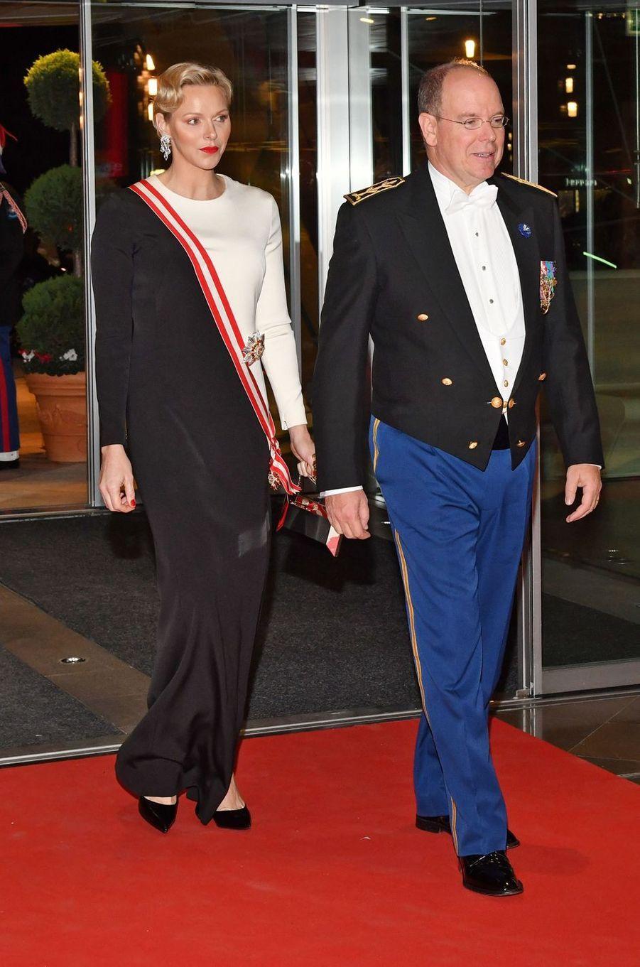 La princesse Charlène et le prince Albert II de Monaco, au Forum Grimaldi à Monaco le 19 novembre 2018
