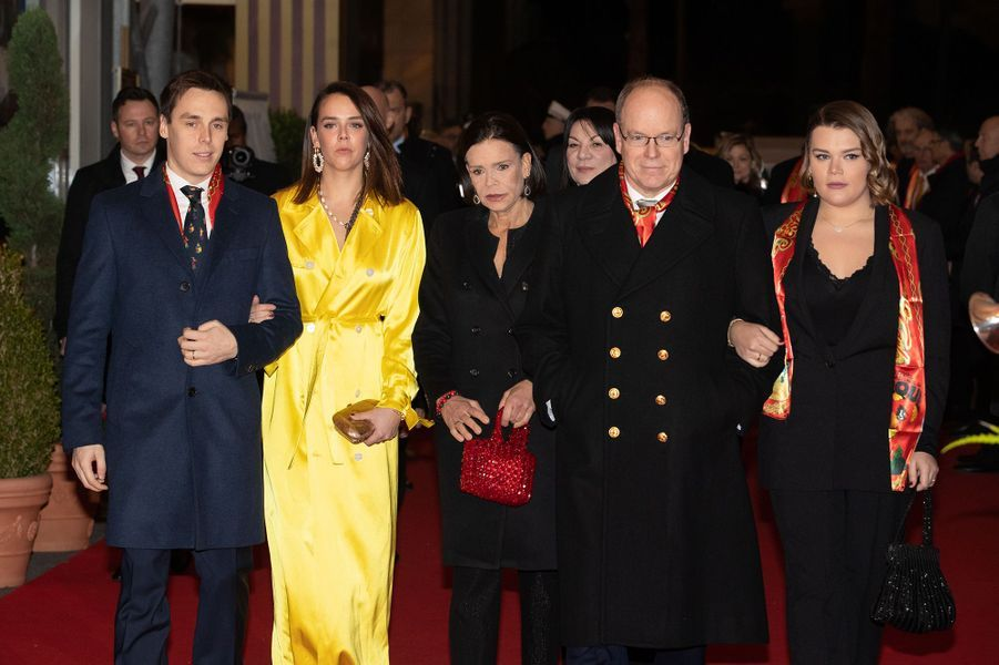 Louis Ducruet, Pauline Ducruet, la princesse Stéphanie de Monaco, le prince Albert II de Monaco et Camille Gottlieb au 44e Festival International du Cirque de Monte-Carlo à Monaco le 21 janvier 2020