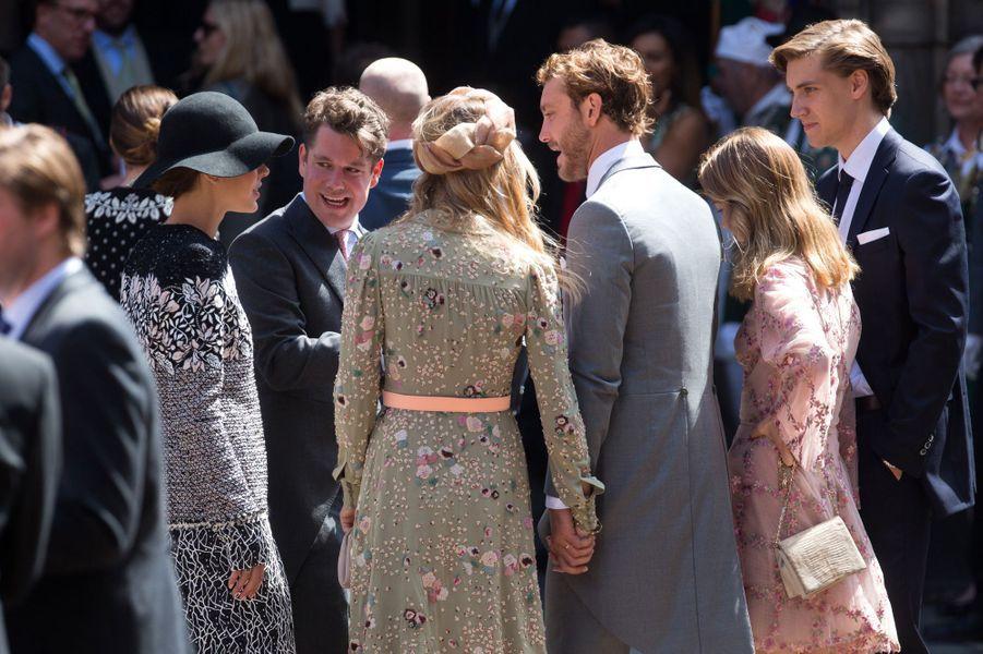 Charlotte Casiraghi, Pierre Casiraghi, sa femme Beatrice Borromeo et la princesse Alexandra de Hanovre, de dos, à Hanovre le 8 juillet 2017