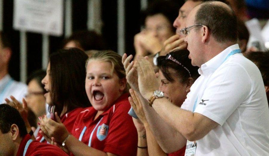 Fiers de sa prestation, ses proches se lèvent pour applaudir. A gauche, sa demi-soeur Camille Gottlieb, 12 ans.