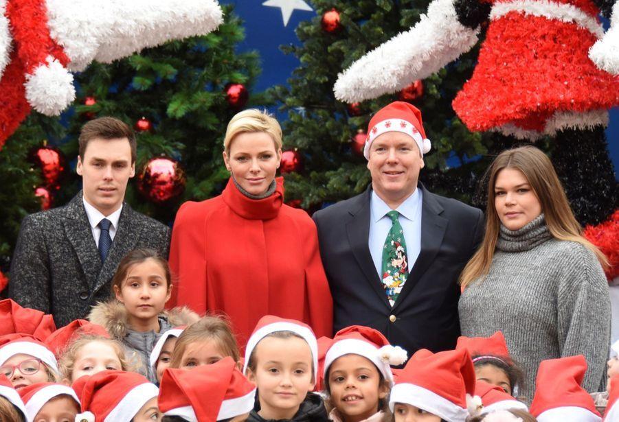 Charlène De Monaco Et Le Prince Albert À L'arbre De Noël Du Palais 15