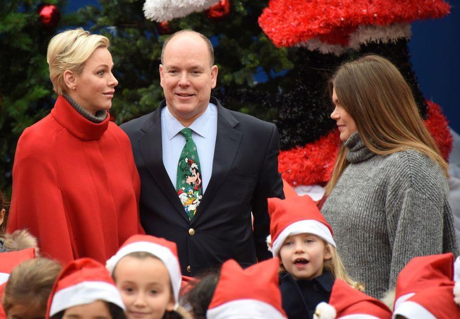 Charlène De Monaco Et Le Prince Albert À L'arbre De Noël Du Palais 17
