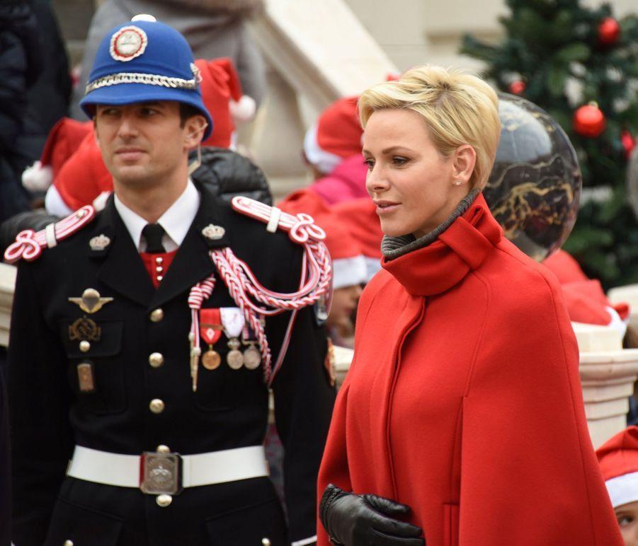 Charlène De Monaco Et Le Prince Albert À L'arbre De Noël Du Palais 22