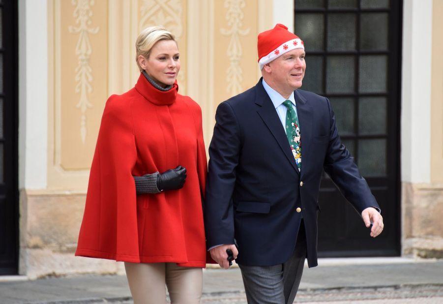 Charlène De Monaco Et Le Prince Albert À L'arbre De Noël Du Palais 3