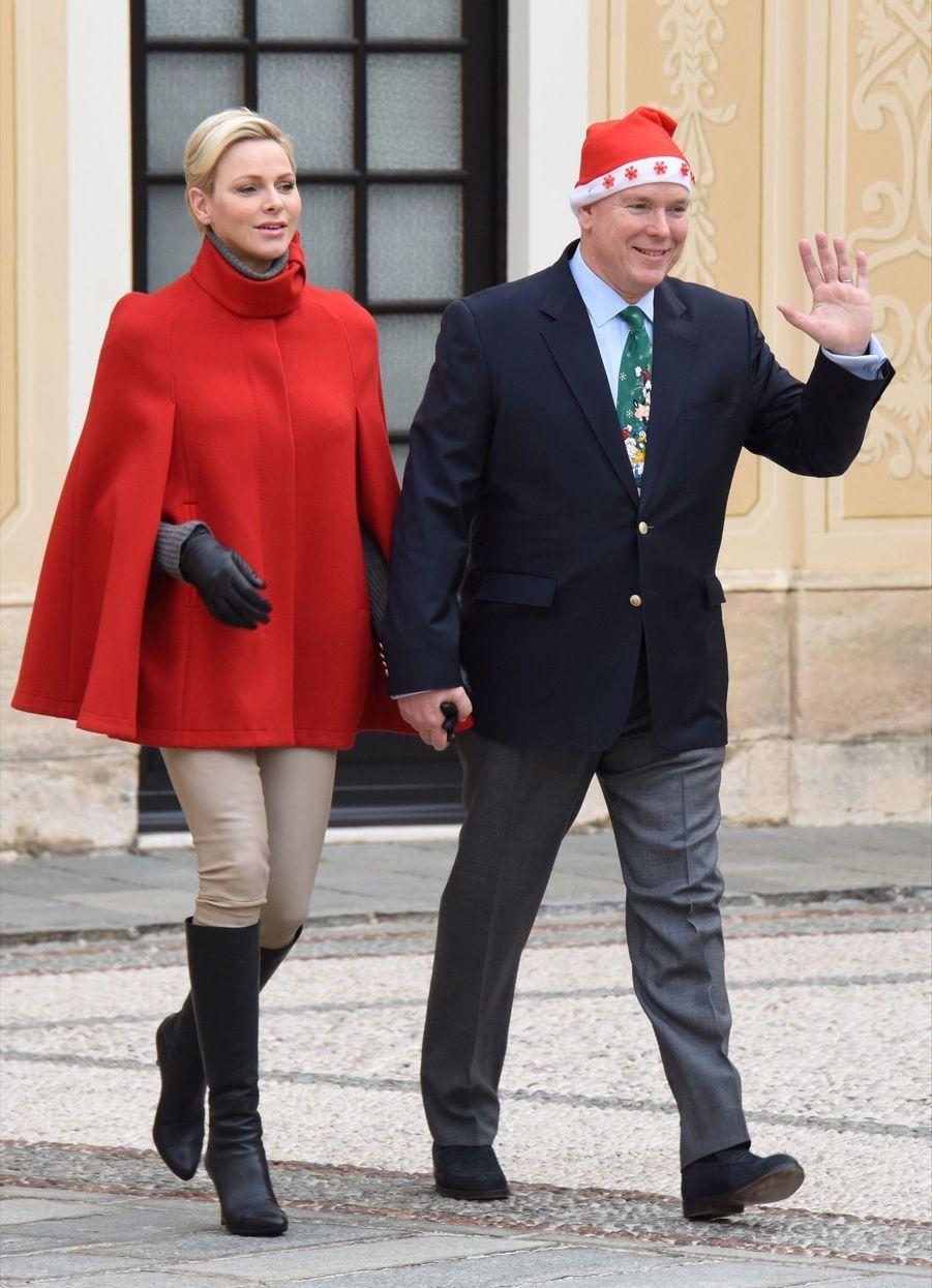 Charlène De Monaco Et Le Prince Albert À L'arbre De Noël Du Palais 30