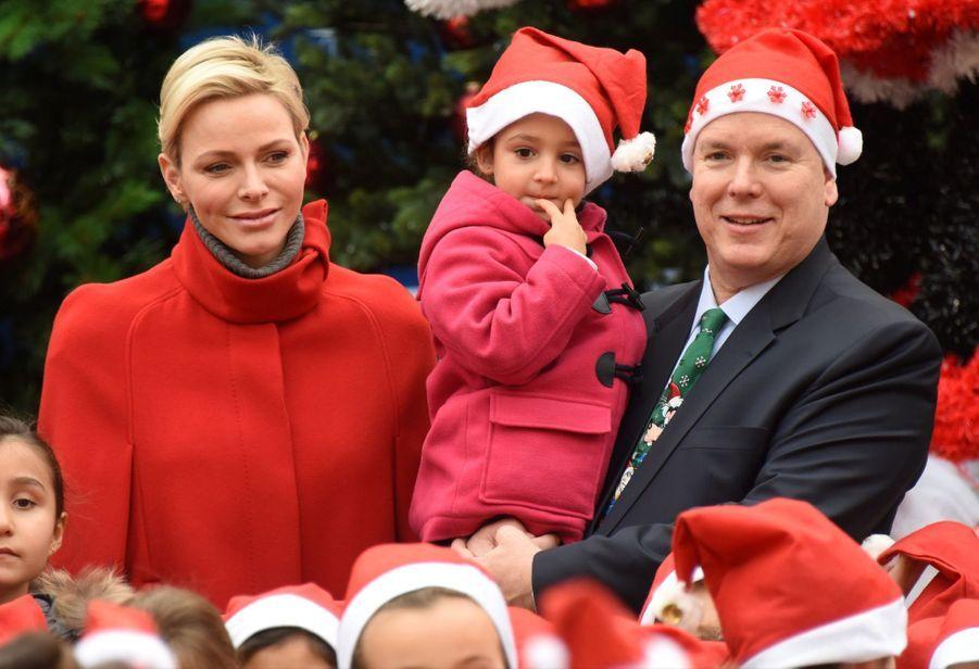 Charlène De Monaco Et Le Prince Albert À L'arbre De Noël Du Palais 9