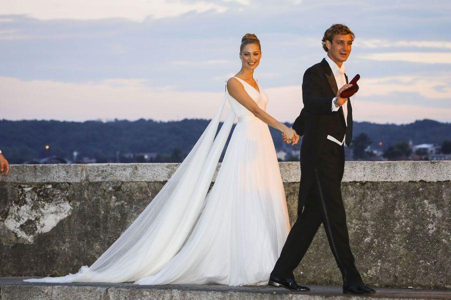 La robe de Béatrice est à nouveau signée Giorgio Armani Privé