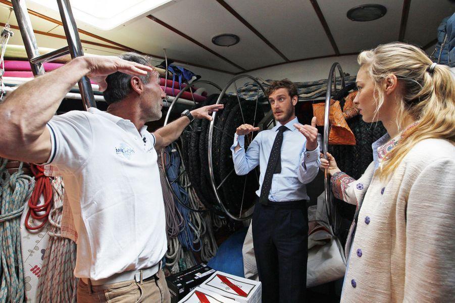 Pierre Casiraghi et Beatrice Borromeo avec Mike Horn à Monaco, le 6 mai 2016