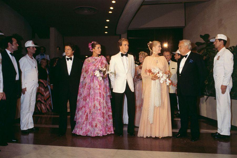 La princesse Grace de Monaco dans une robe du soir Christian Dior par Marc Bohan haute couture printemps-été 1978