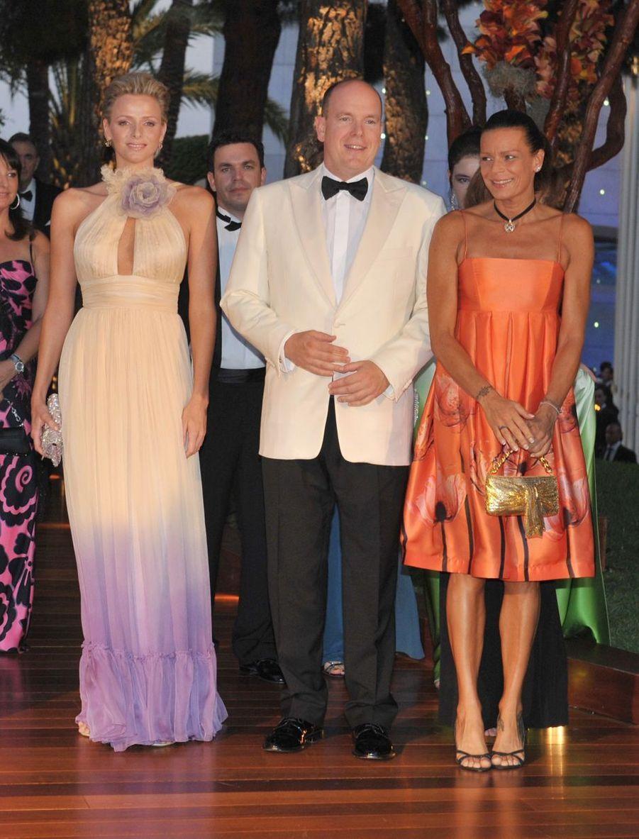 La princesse Stéphanie de Monaco au bal de la Croix-Rouge en août 2008