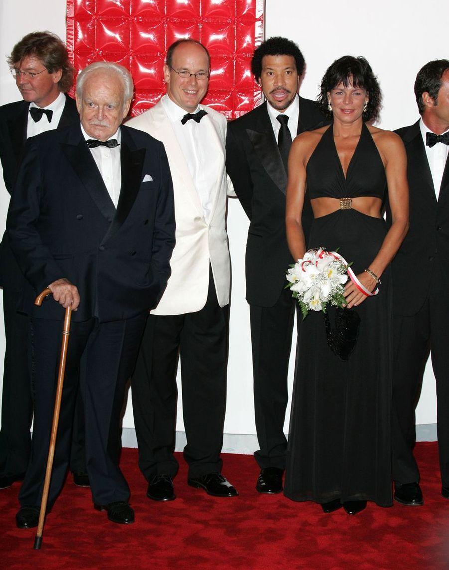 La princesse Stéphanie de Monaco au bal de la Croix-Rouge en août 2004