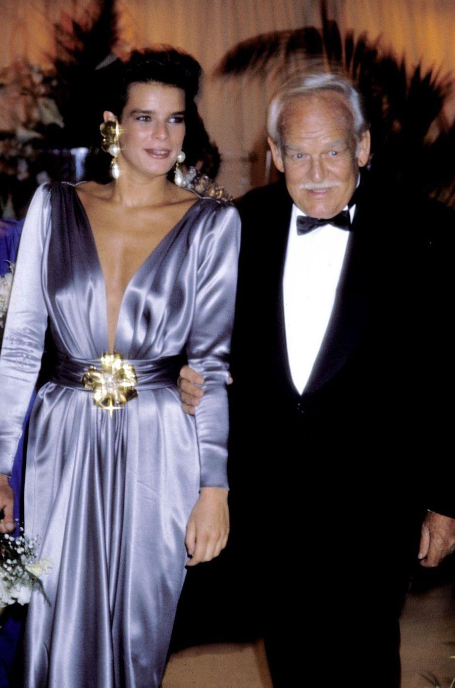 La princesse Stéphanie de Monaco au bal de la Croix-Rouge en août 1988