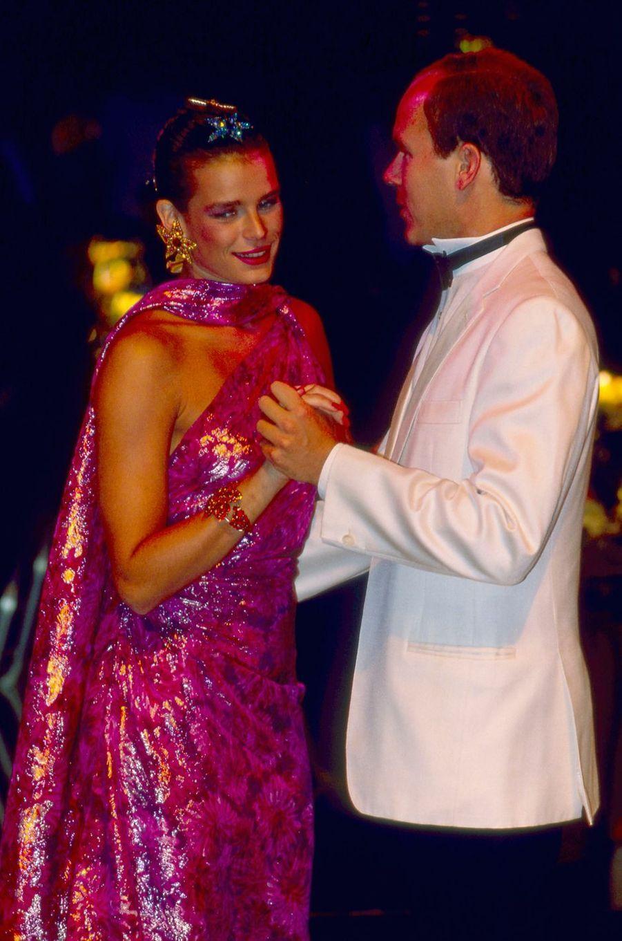 La princesse Stéphanie de Monaco au bal de la Croix-Rouge en août 1989