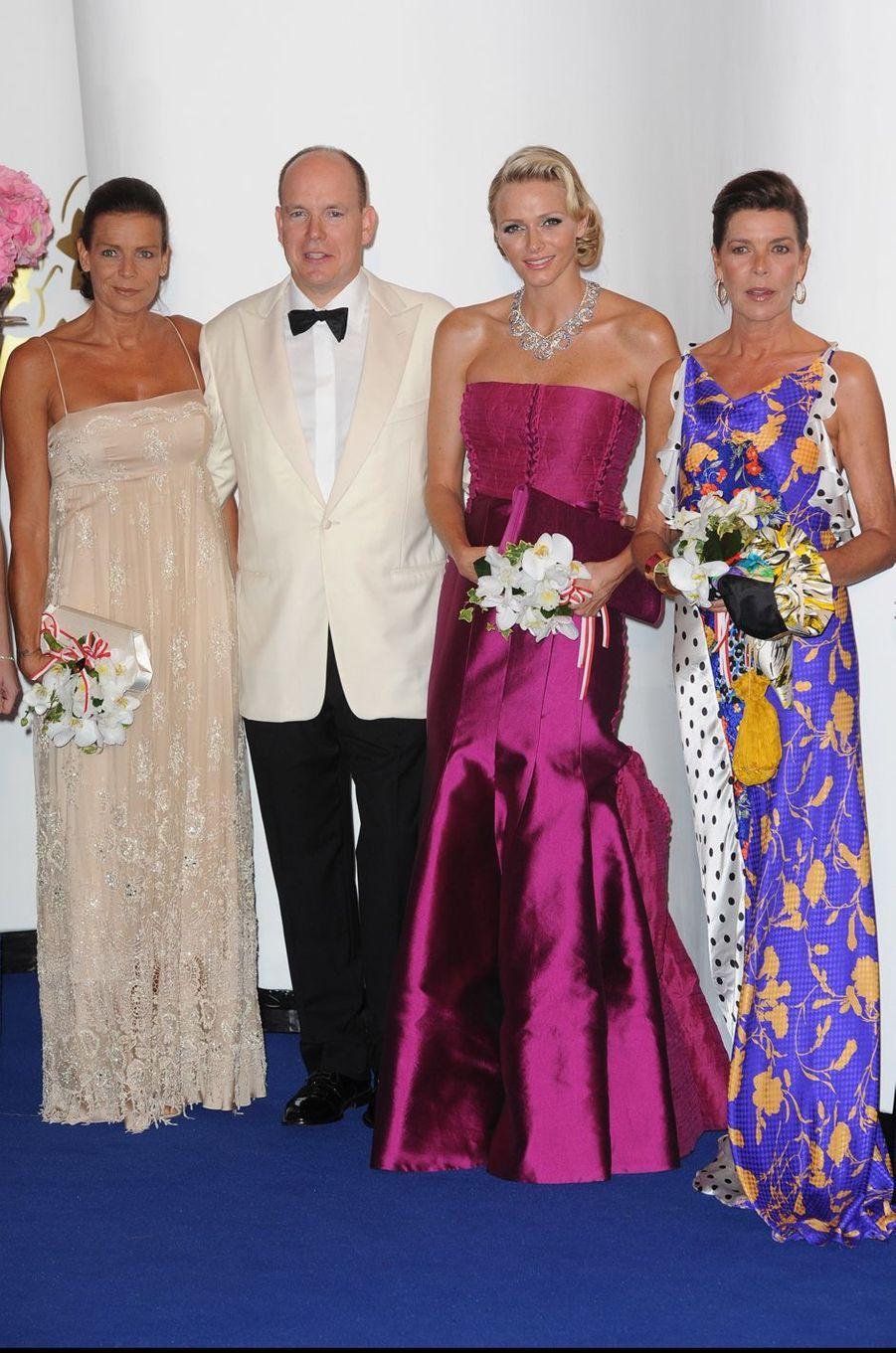 La princesse Stéphanie de Monaco au bal de la Croix-Rouge en août 2011