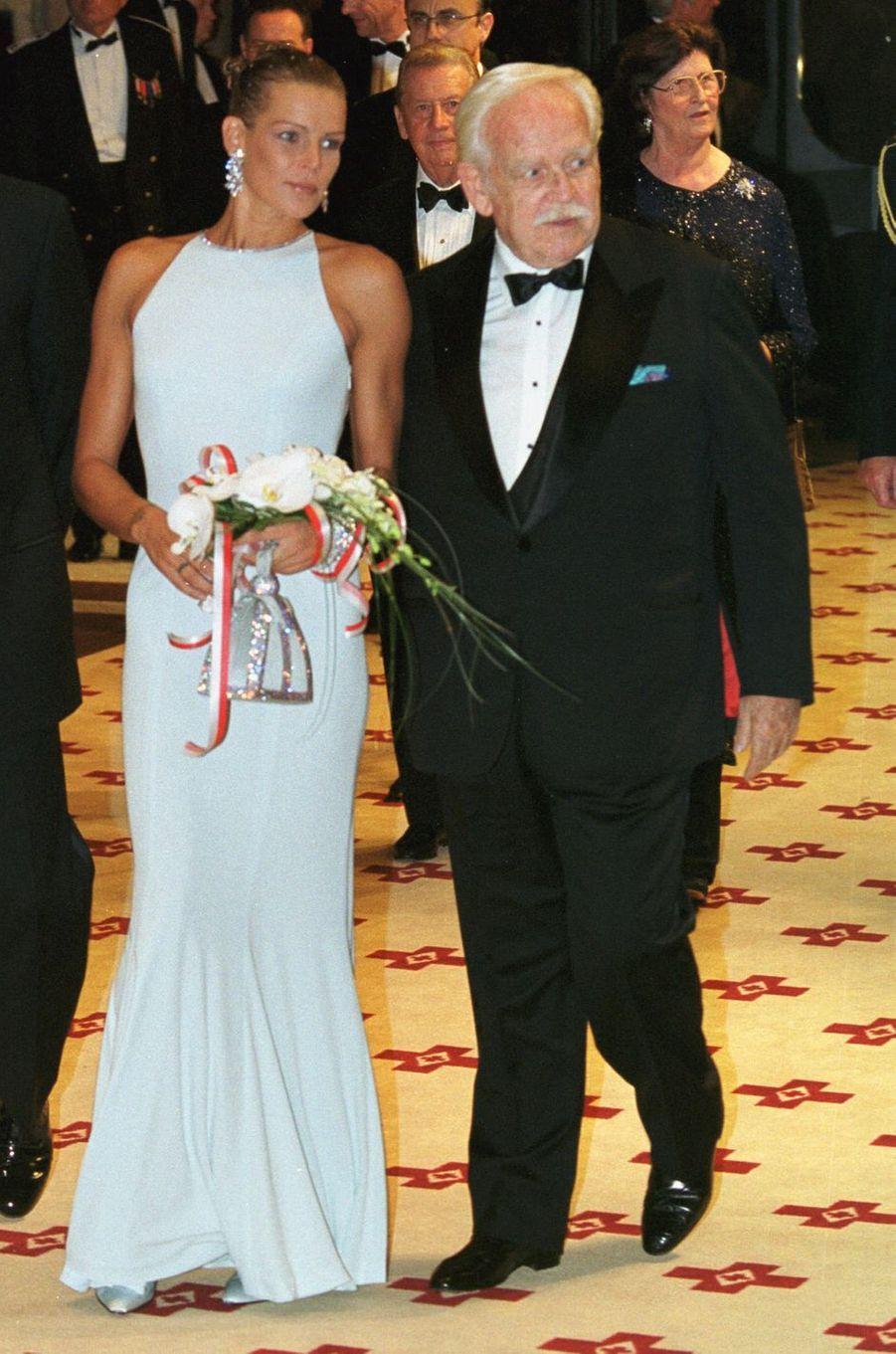 La princesse Stéphanie de Monaco au bal de la Croix-Rouge en août 1999