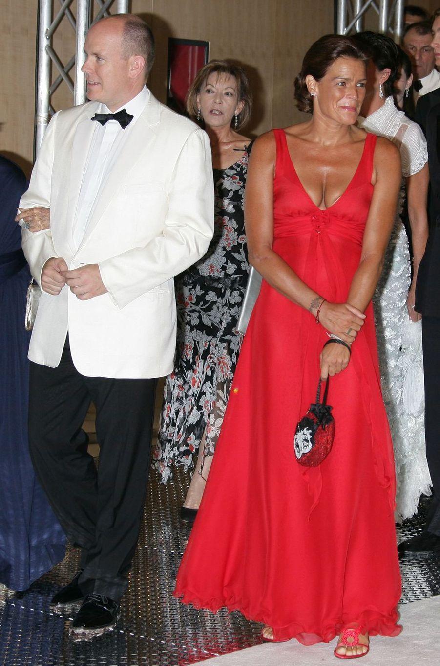 La princesse Stéphanie de Monaco au bal de la Croix-Rouge en août 2006