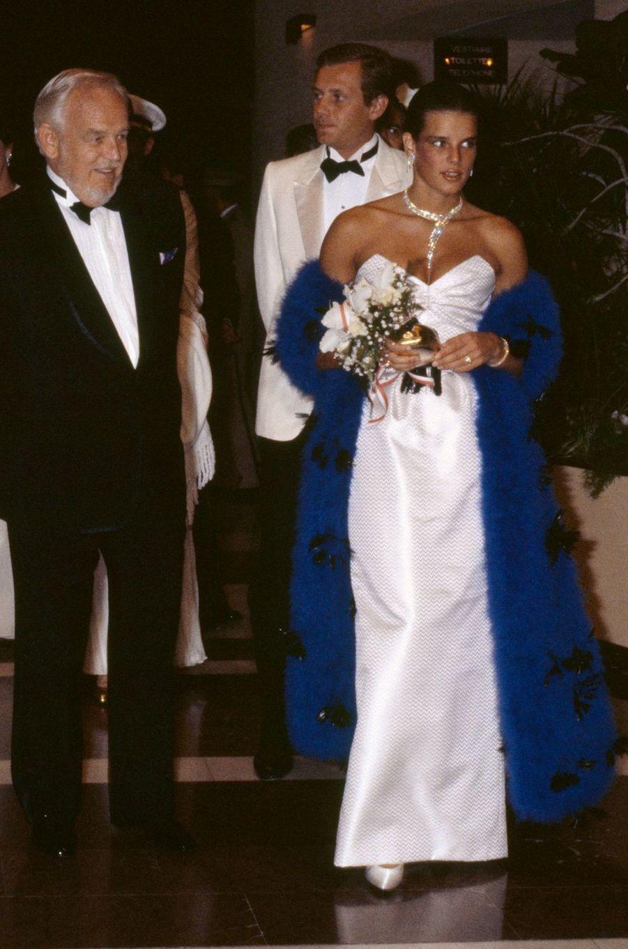 La princesse Stéphanie de Monaco au bal de la Croix-Rouge en août 1984