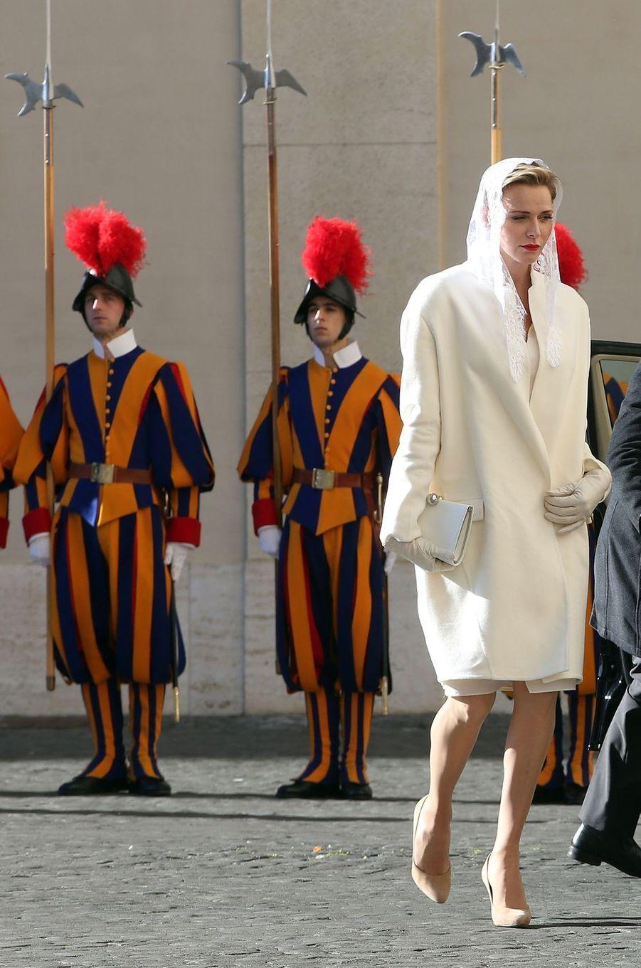 La princesse Charlène de Monaco au Vatican pour une audience avec le pape François, le 18 janvier 2016