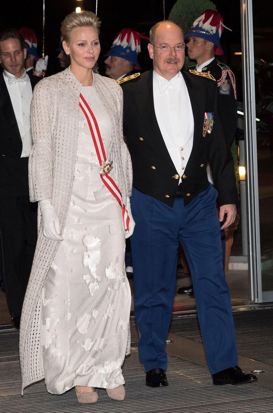 La princesse Charlène de Monaco en Akris à la soirée de gala de la Fête nationale à Monaco, le 19 novembre 2017