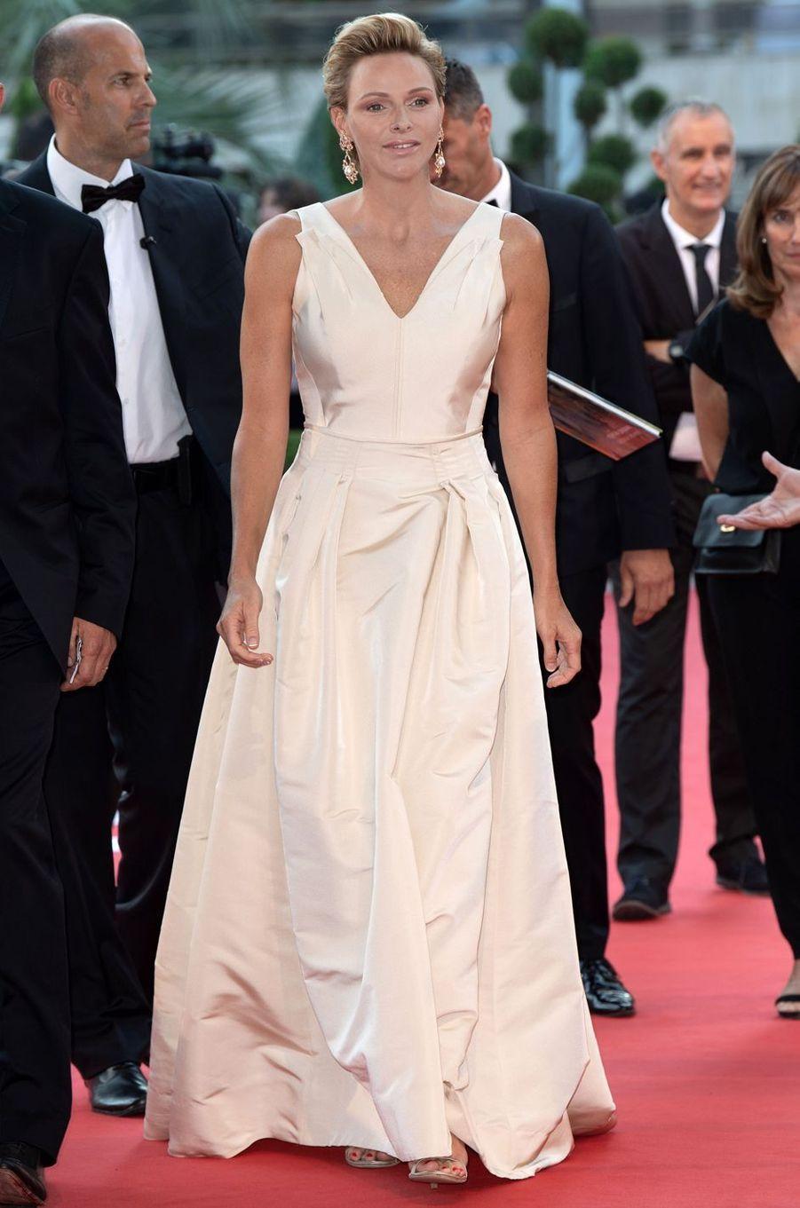 La princesse Charlène de Monaco en Carolina Herrera au Festival de télévision de Monte-Carlo, le 19 juin 2018