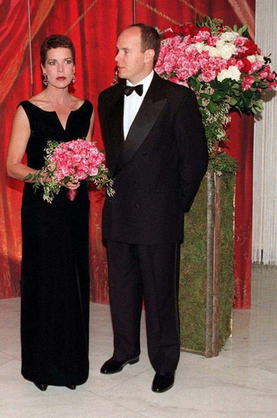 La princesse Caroline de Monaco au bal de la Rose 1997, avec le prince Albert