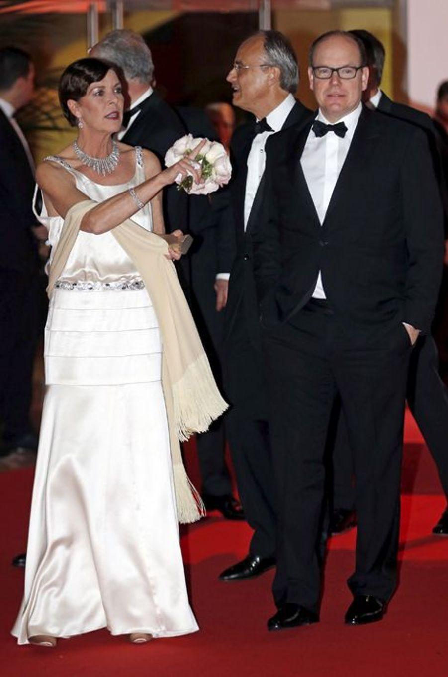 La princesse Caroline de Monaco au bal de la Rose 2015, avec le prince Albert II