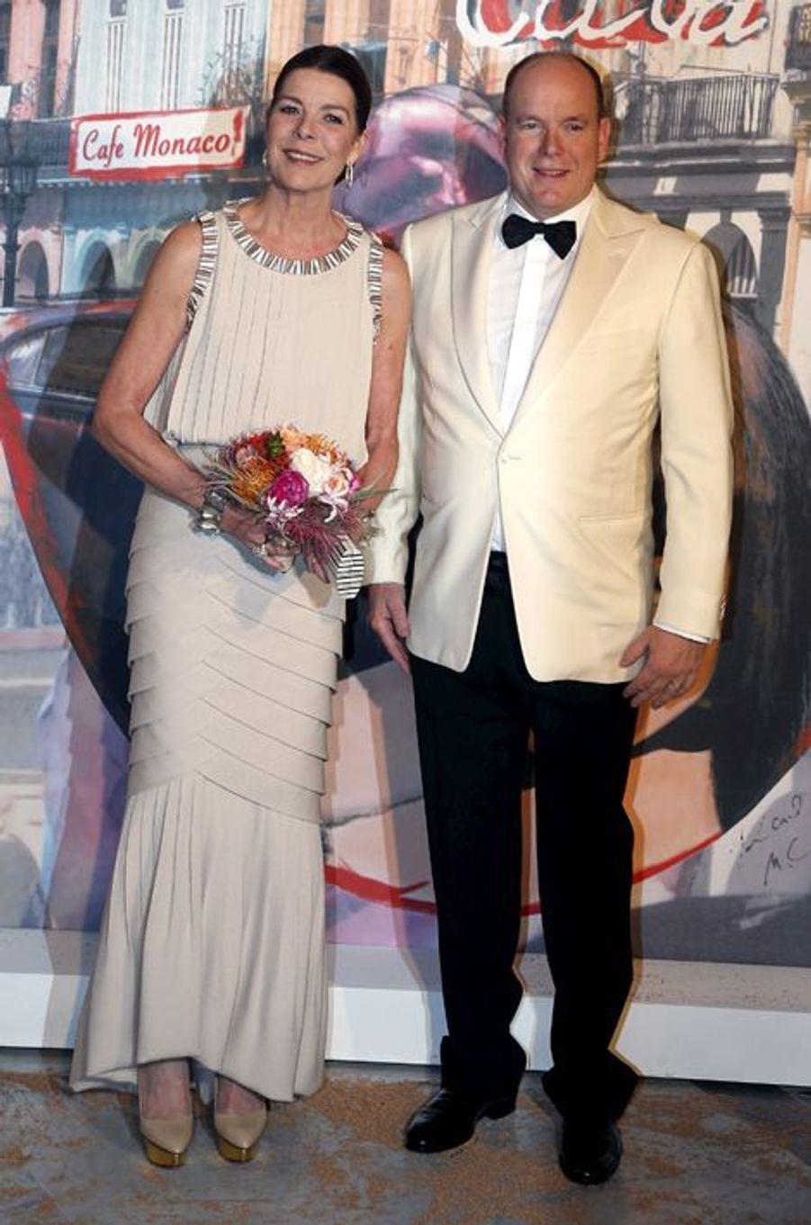La princesse Caroline de Monaco au bal de la Rose 2016, avec le prince Albert II