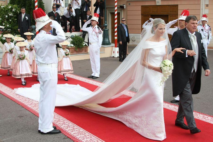 La princesse Charlène de Monaco avec son père, à Monaco le 2 juillet 2011