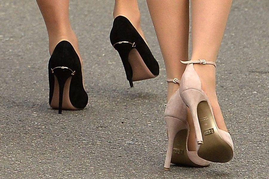 Les chaussures de Charlotte Casiraghi et de Beatrice Borromeo-Casiraghi à Monaco, le 19 novembre 2015