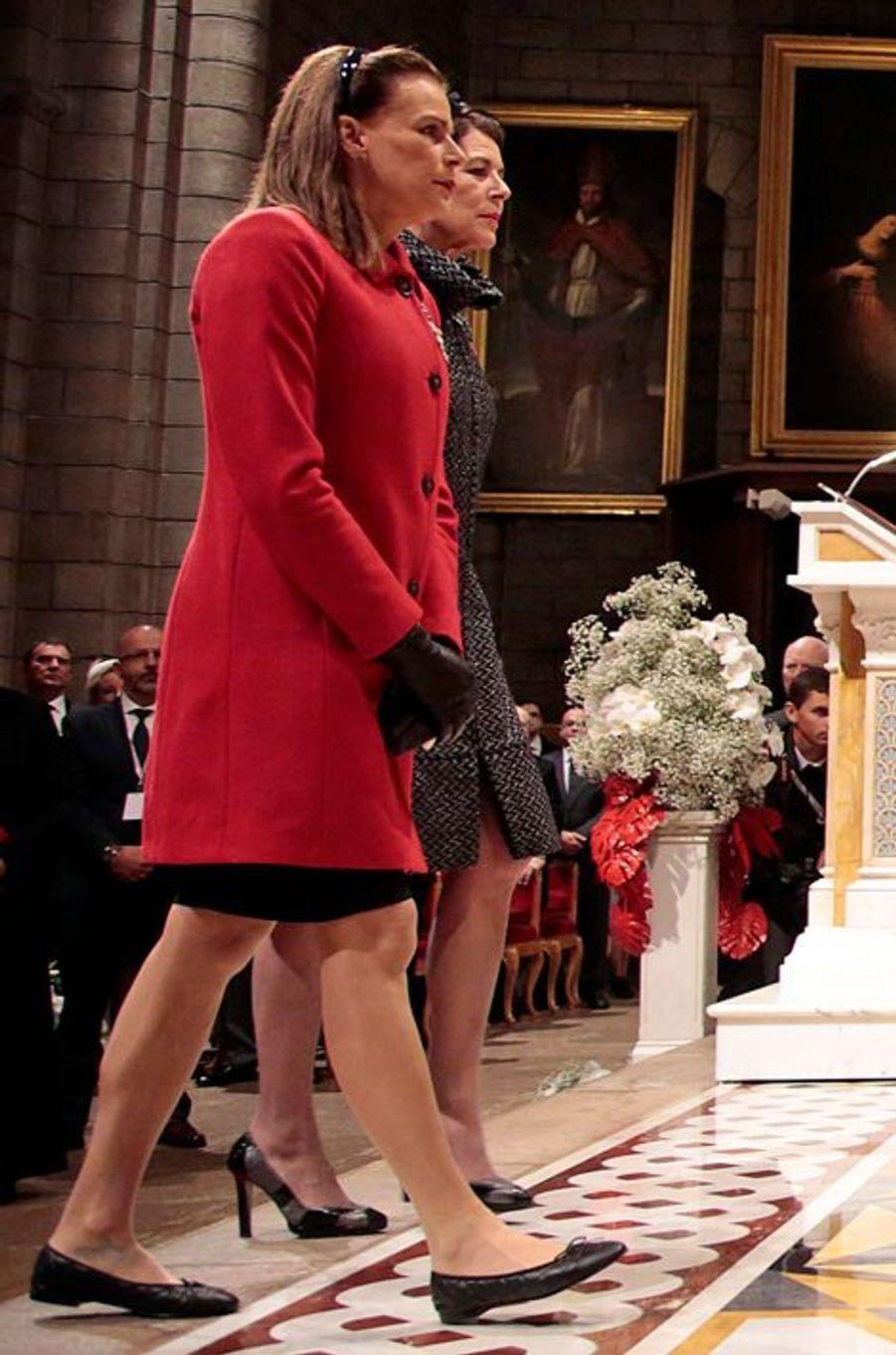 Les princesses Stéphanie de Monaco et Caroline de Hanovre à Monaco, le 19 novembre 2015