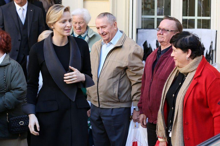 Charlène et Albert, des sourires plein la hotte