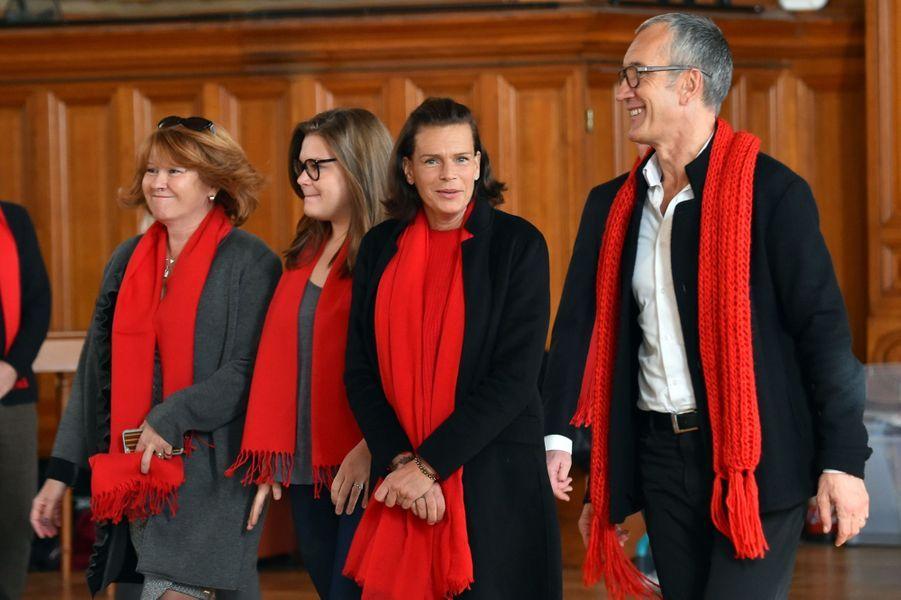 """La Princesse Stéphanie De Monaco Et Sa Fille Camille Gottlieb Au Déploiement Des """"Courtepointes"""" En Mémoire Des Victimes Du SIDA 3"""