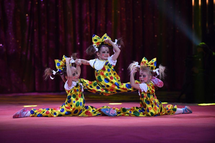 Stéphanie De Monaco, Pauline Et Camille, Un Week end Entre Filles Au Cirque 1